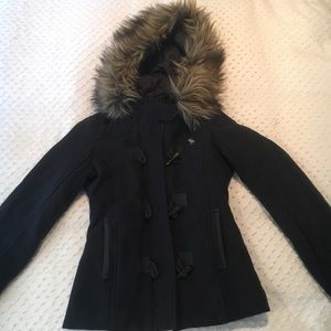 Navy Abercrombie & Fitch faux fur quilted parka